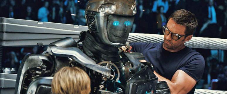 Le Robot Atom en réparation sur le ring