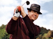 Bond joue au golf