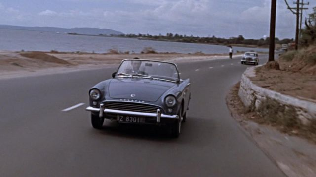 James Bond au volant d'un Sunbeam Alpine