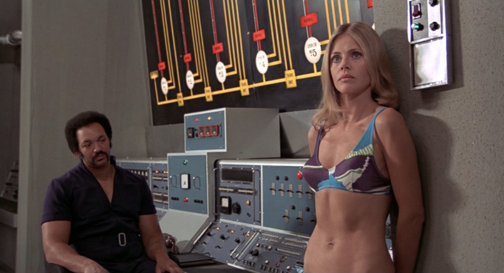 Mary Goodnight alias Bonne-Nuit (Britt Ekland)
