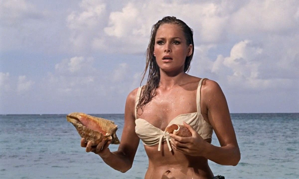 Honey Ryder - Ursula Andress
